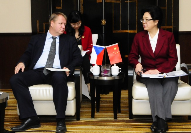 Chinese Minister of Health met her Czech counterpart